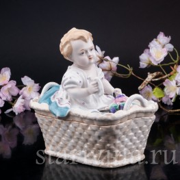 Малыш в корзине, шкатулка, Германия, нач. 20 в