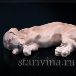 Фарфорвая статуэтка собаки Спящая такса, Royal Copenhagen, Дания, 1923-28 гг.