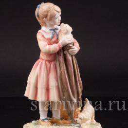 Фарфоровая фигурка Девочка со щенками, Royal Doulton, Великобритания, вт. пол. 20 века.